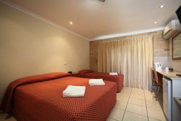 Emerald Accommodation - Emerald Central Palms Motel